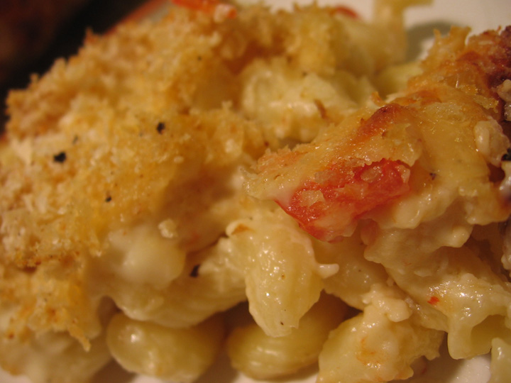 Mac-and-cheese-closeup